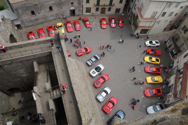 Piazza della Rocca  a Piancastagnaio (SI)